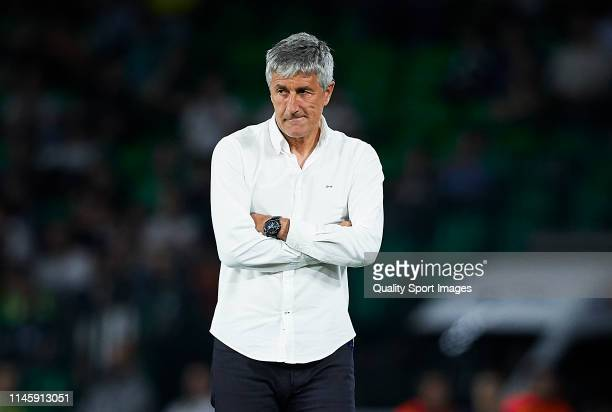 Manager of Real Betis Quique Setien looks on during the La Liga match between Real Betis Balompie and RCD Espanyol at Estadio Benito Villamarin on...