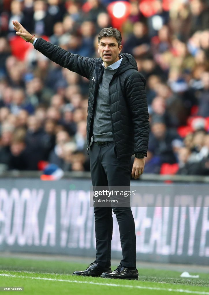 Manager of Southampton Mauricio Pellegrino gives instructions during the Premier League match between Tottenham Hotspur and Southampton at Wembley Stadium on December 26, 2017 in London, England.