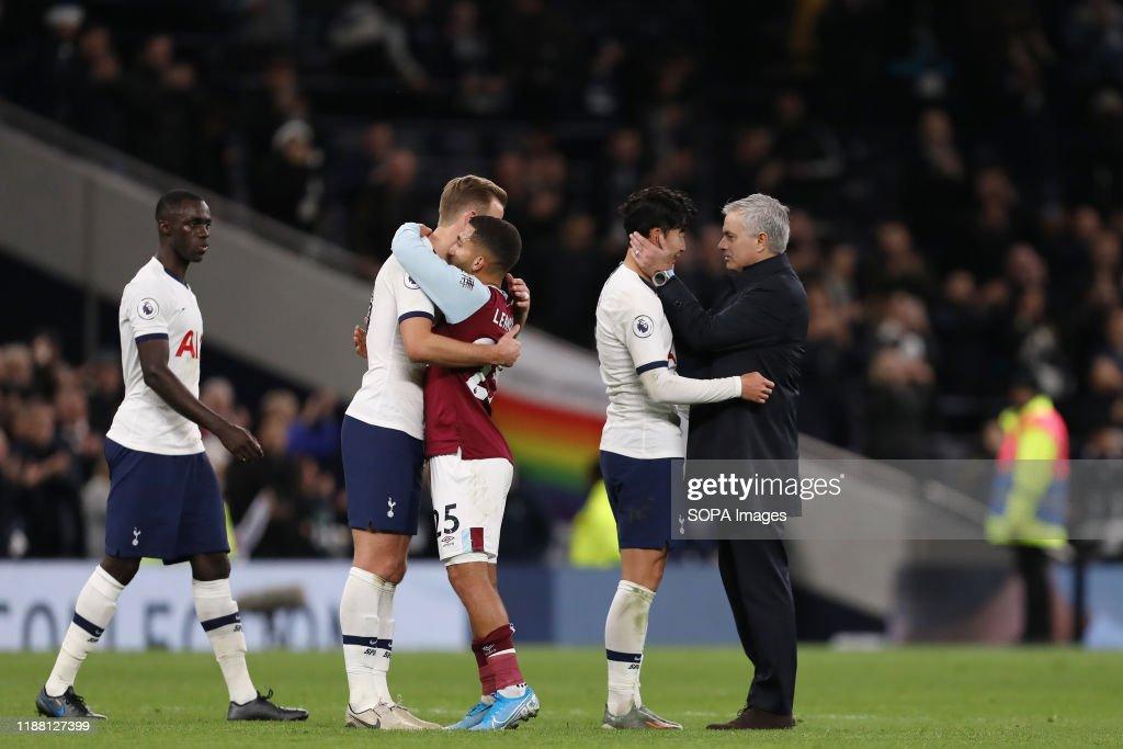 Manager of Tottenham Hotspur, Jose Mourinho congratulates... : News Photo