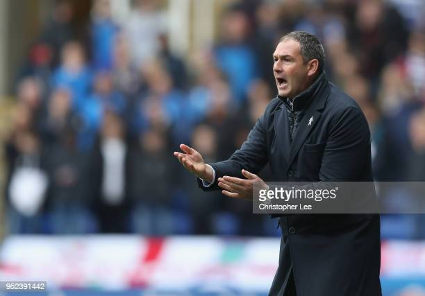 Manager Paul Clement of Reading shouts orders to his players during the Sky Bet Championship match between Reading and Ipswich Town at Madejski...
