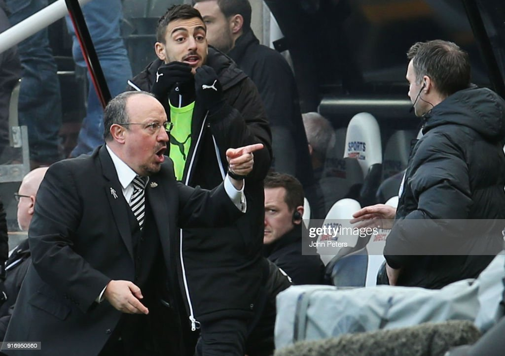 Manager Rafael Benitez of Newcastle United complains to the fourth official during the Premier League match between Newcastle United and Manchester United at St. James Park on February 11, 2018 in Newcastle upon Tyne, England.