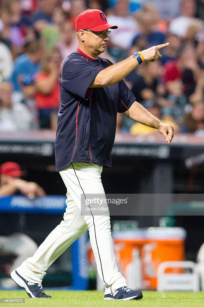 Manager Terry Francona #17 of the Cleveland Indians signals to the bullpen for a pitching change during the sixth inning against the Chicago White Sox at Progressive Field on July 25, 2015 in Cleveland, Ohio.