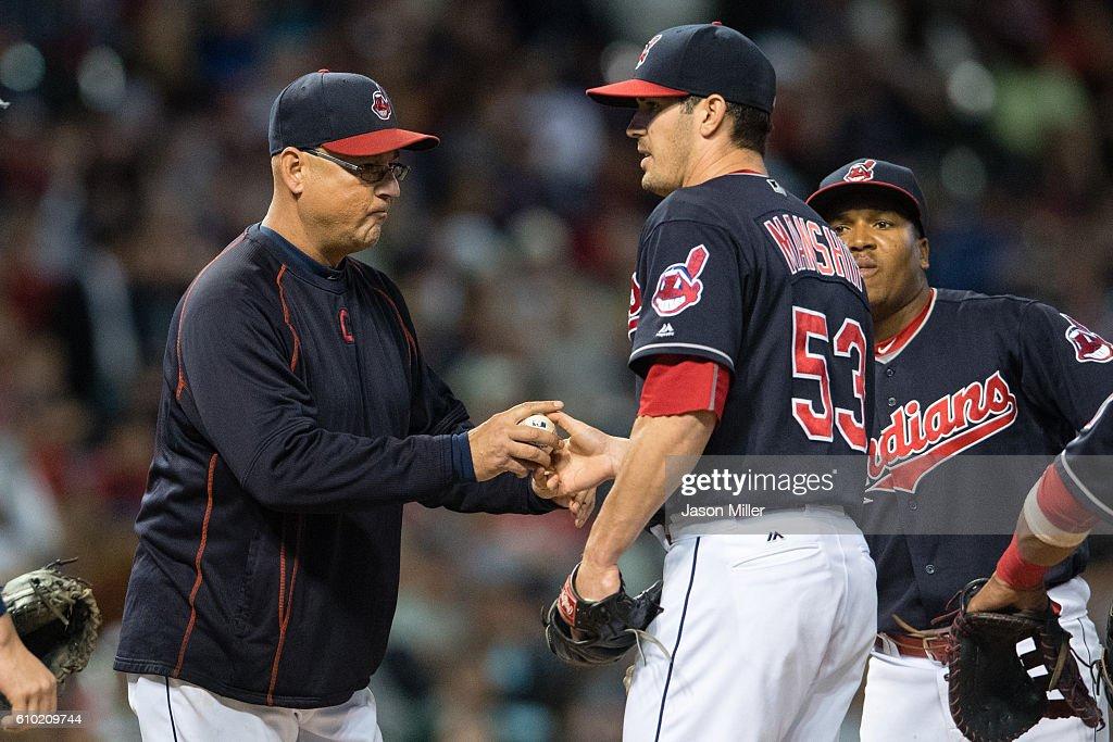 Chicago White Sox v Cleveland Indians : ニュース写真