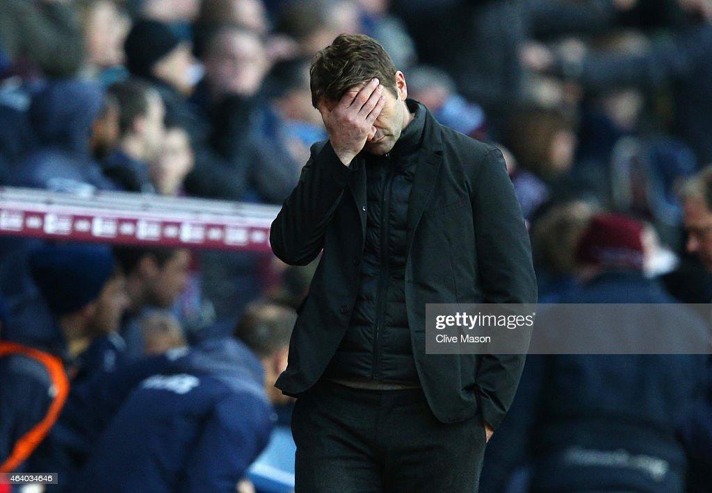 Aston Villa v Stoke City - Premier League : Fotografía de noticias