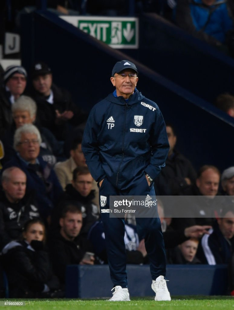 WBA manager Tony Pulis reacts during the Premier League match between West Bromwich Albion and Chelsea at The Hawthorns on November 18, 2017 in West Bromwich, England.
