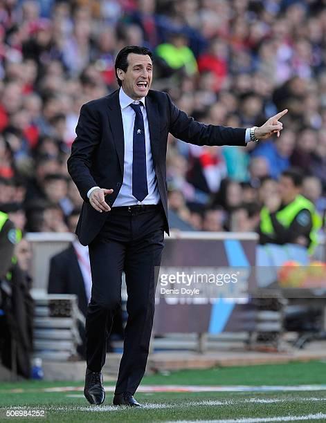Manager Unai Emery of Sevilla FC reacts during the La Liga match between Club Atletico de Madrid and Sevilla FC at Vicente Calderon Stadium on...