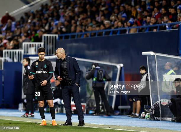 BUTARQUE LEGANES MADRID SPAIN Manager Zinedine Zidane talk with Marco Asensio during the La Liga Santander match between Leganes vs Real Madrid at...