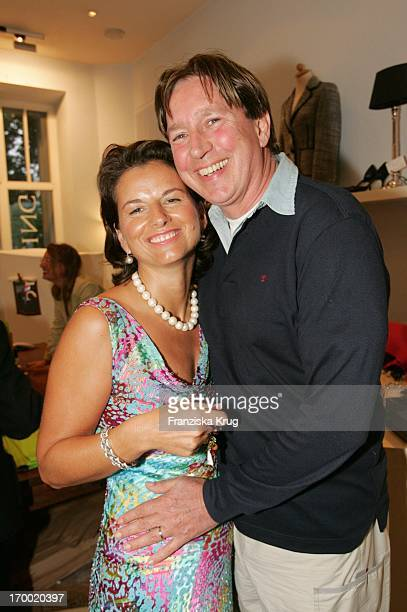 Managing Claudia Obert And Jürgen Schau at Dress For Success In Berlin