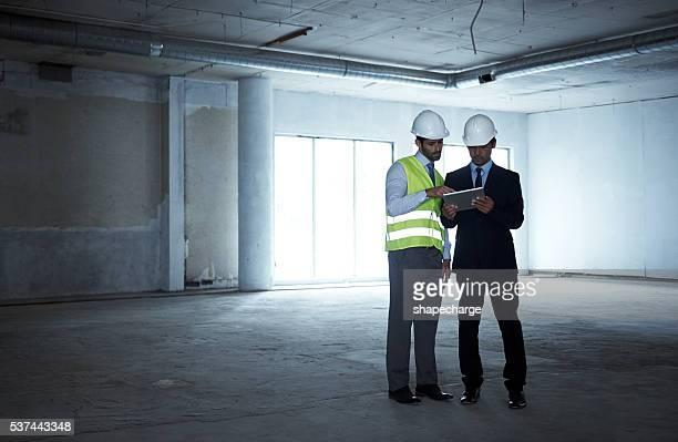 Management der Bauarbeiten geöffnet und Aufgaben auf ein tablette