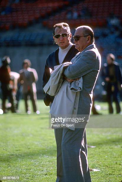 Managing General Partner Al Davis of the Oakland Raiders looks on before the start of an NFL football game circa 1980 at the OaklandAlameda County...