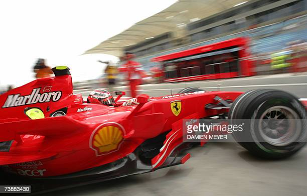 Finnish Ferrari driver Kimi Raikkonen in the pits of the Sakhir racetrack, 14 April 2007 in Manama, during the third practice session of the Bahrain...