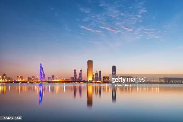 manama cityscape - bahrain stock pictures, royalty-free photos & images