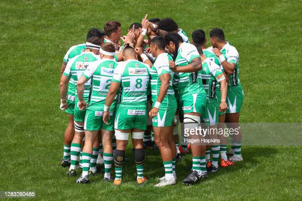 Manawatu players form a huddle during the round 8 Mitre 10 Cup match between Manawatu and Southland at Manfeild on November 01, 2020 in Feilding, New...