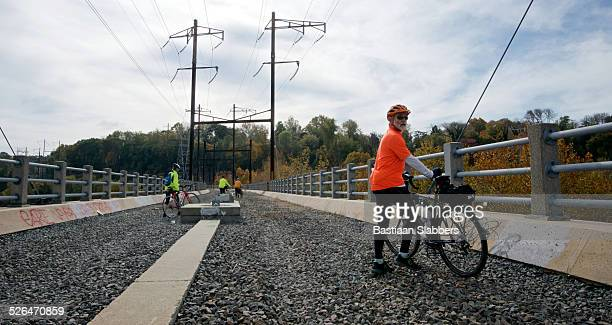manayunk bridge project breaks ground, connects communities - basslabbers, bastiaan slabbers stock pictures, royalty-free photos & images