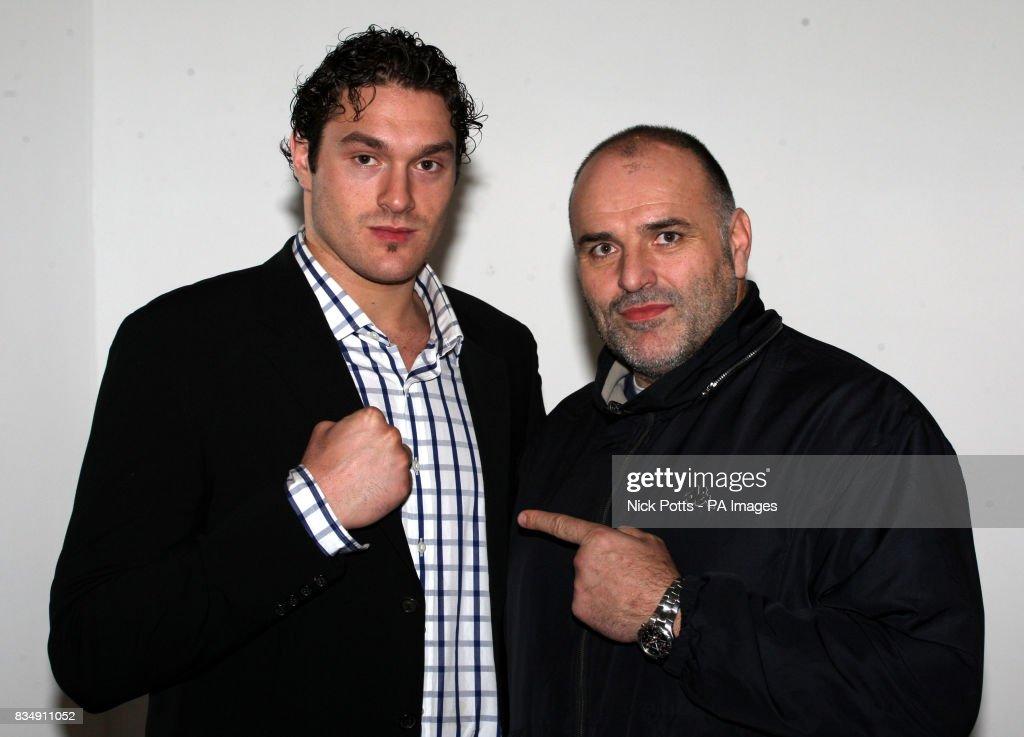 Boxing - British Lightwight Title Fight - John Murray v Lee McAllister - Robin Park Centre : News Photo