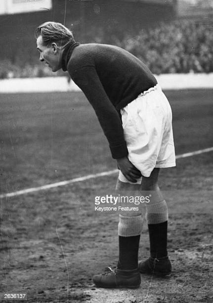 Manchester City goalkeeper Bert Trautmann A German soldier captured in Belgium in 1945 and brought to England as a prisoner of war Trautmann decided...