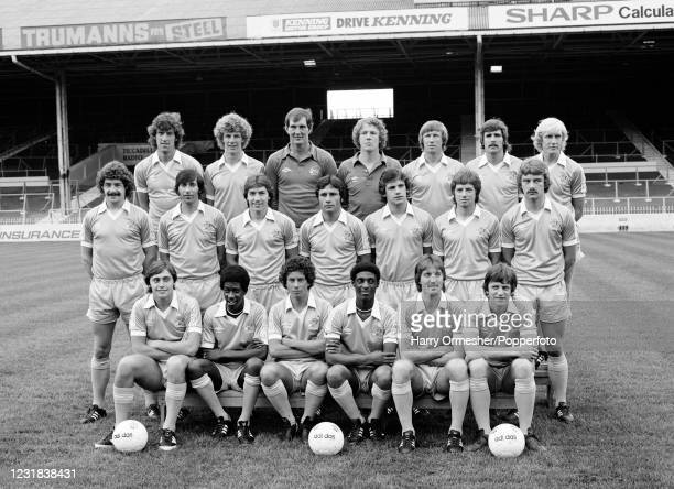 Manchester City line up for a team photograph at Maine Road in Manchester, England, circa August 1979. Back row : Tommy Booth, Tommy Caton, Joe...