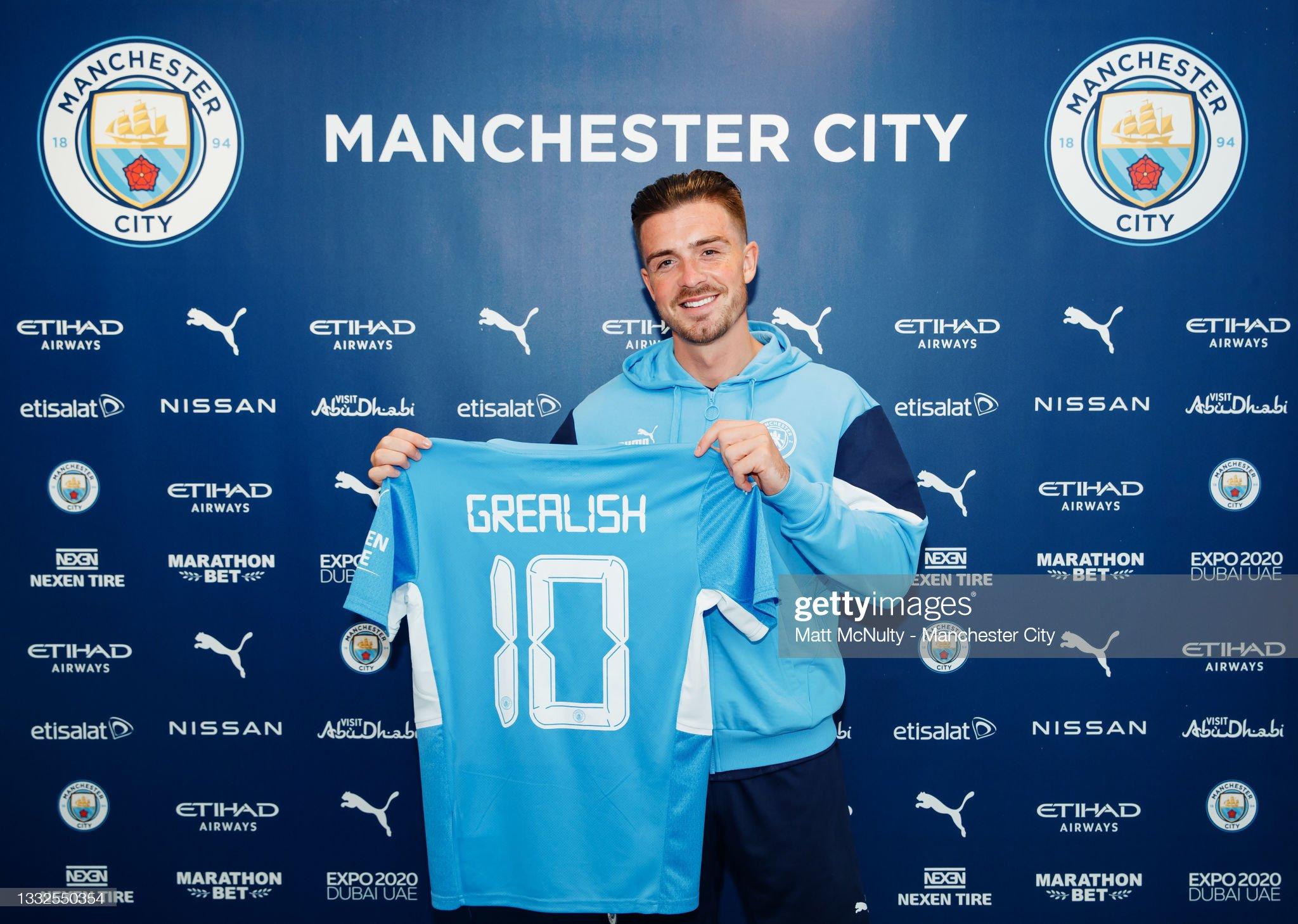 Manchester City Unveil New Signing Jack Grealish : ニュース写真