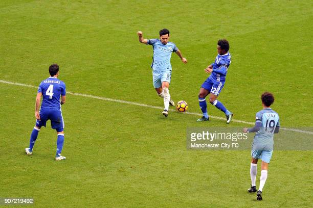 Manchester City v Chelsea Premier League Etihad Stadium Manchester City's Ilkay Gundogan and Chelsea's Cesc Fabregas and Willian in action during the...
