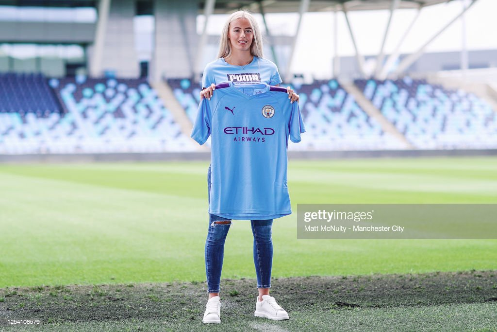 Manchester City Women Unveil New Signing Chloe Kelly : News Photo