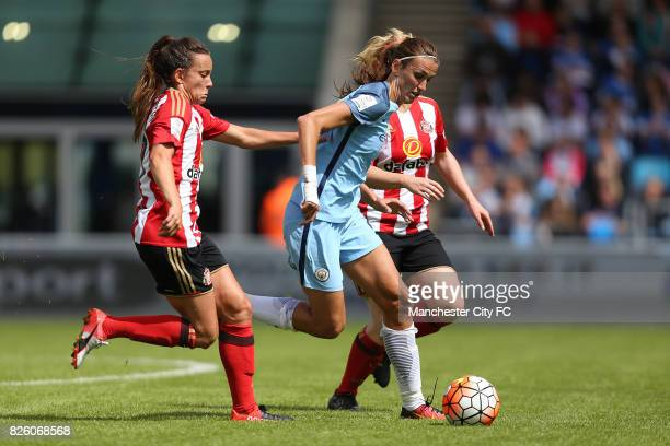 Manchester City Women's Jill Scott takes on the defence of Sunderland Ladies