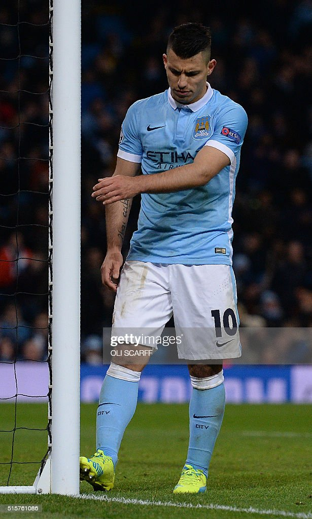 Manchester City's Argentinian striker Sergio Aguero reacts following a UEFA Champions League last 16, second leg football match between Manchester City and Dynamo Kiev at the Etihad Stadium in Manchester, north west England, on March 15, 2016. The match ended in a draw. / AFP / OLI