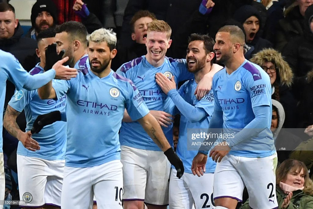 FBL-ENG-PR-MAN CITY-WEST HAM : News Photo