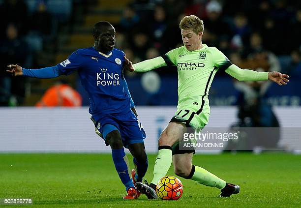 Manchester City's Belgian midfielder Kevin De Bruyne vies with Leicester City's French midfielder N'Golo Kante during the English Premier League...