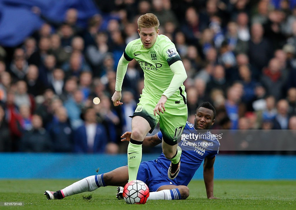 Manchester City's Belgian midfielder Kevin De Bruyne vies with Chelsea's Nigerian midfielder John Obi Mikel (R) during the English Premier League football match between Chelsea and Manchester CIty at Stamford Bridge in London on April 16, 2016. / AFP / Adrian DENNIS / RESTRICTED TO EDITORIAL USE. No use with unauthorized audio, video, data, fixture lists, club/league logos or 'live' services. Online in-match use limited to 75 images, no video emulation. No use in betting, games or single club/league/player publications. /