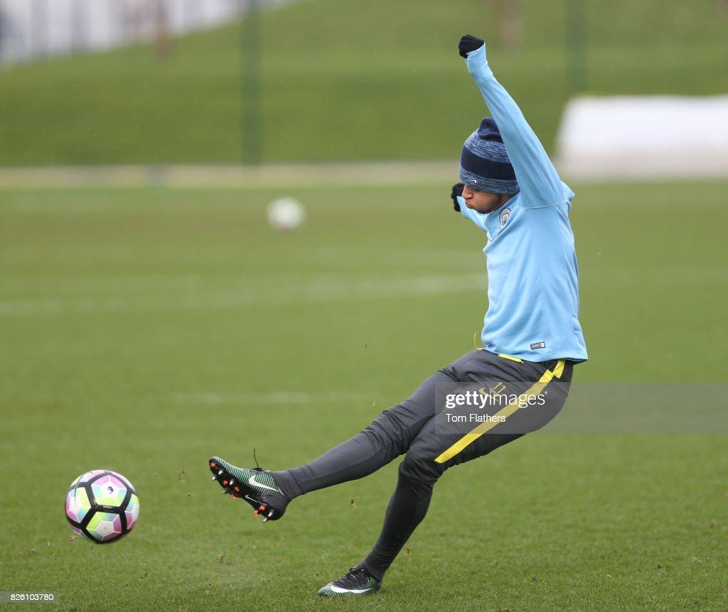 Manchester City U18 Training - City Football Academy : Fotografía de noticias