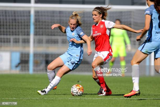 Manchester City's Keira Walsh and Arsenal Ladies Dominique Janssen