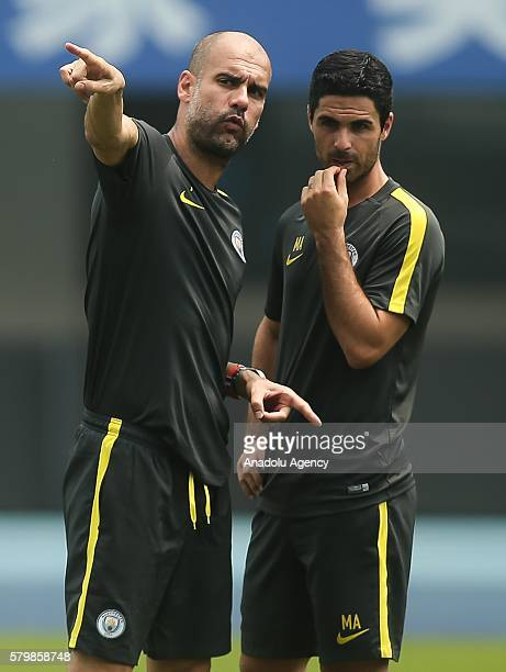 Manchester City's manager Pep Guardiola gestures during the pregame training ahead of the 2016 International Champions Cup match between Manchester...