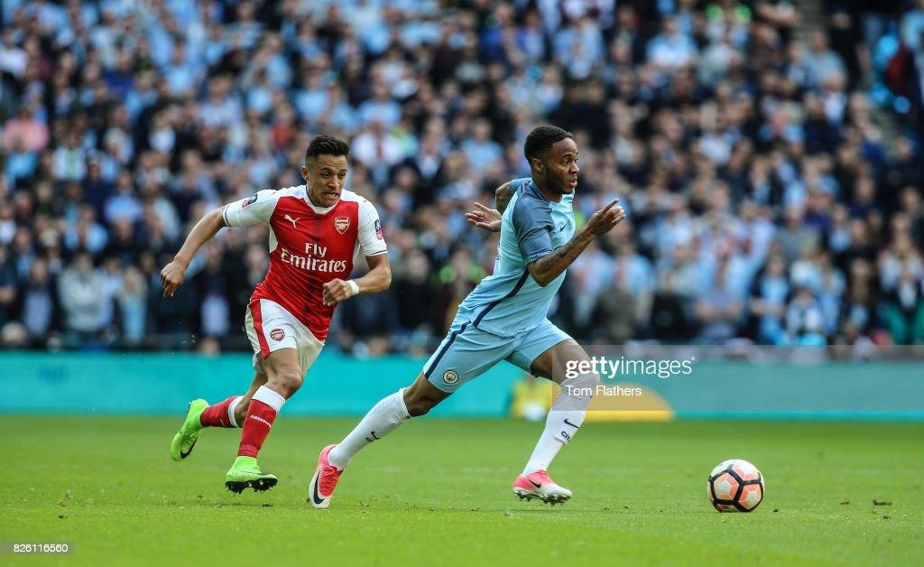 Arsenal v Manchester City - Emirates FA Cup - Semi Final - Wembley Stadium : News Photo