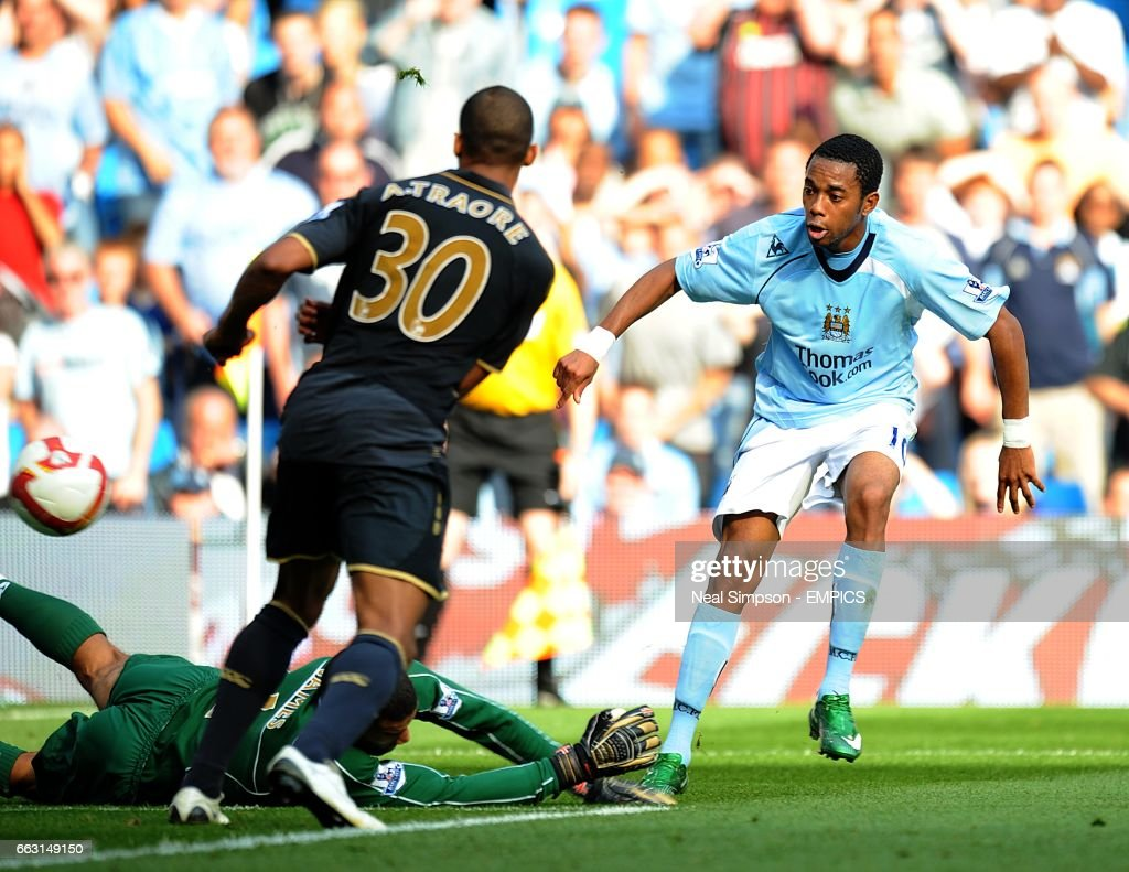 Soccer - Barclays Premier League - Manchester City v Portsmouth - City of Manchester Stadium : News Photo