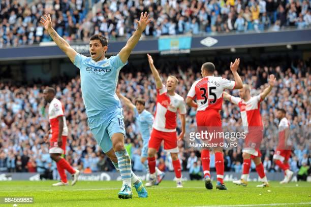Manchester City's Sergio Aguero appealsl