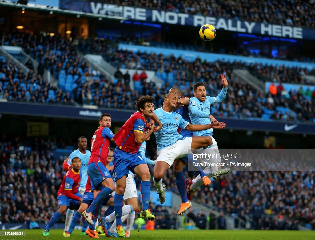 Soccer - Barclays Premier League - Manchester City v Crystal Palace - Etihad Stadium : News Photo