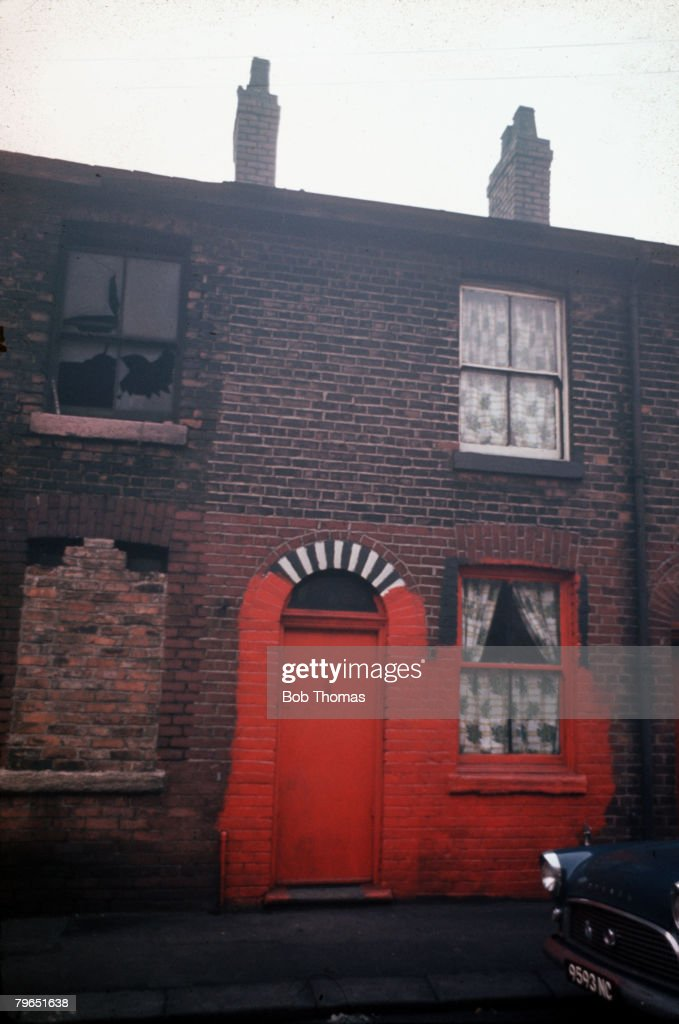 Manchester, England, Circa 1960's, The house where Moors murderess Myra Hindley lived in Gorton is pictured in disrepair : News Photo