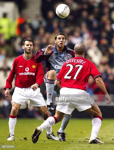 LEAGUE 01/02 Manchester MANCHESTER UNITED FC BAYERN MUENCHEN 00 Ryan GIGGS/MANU Claudio PIZARRO/BAYERN Mickael SILVESTRE/MANU
