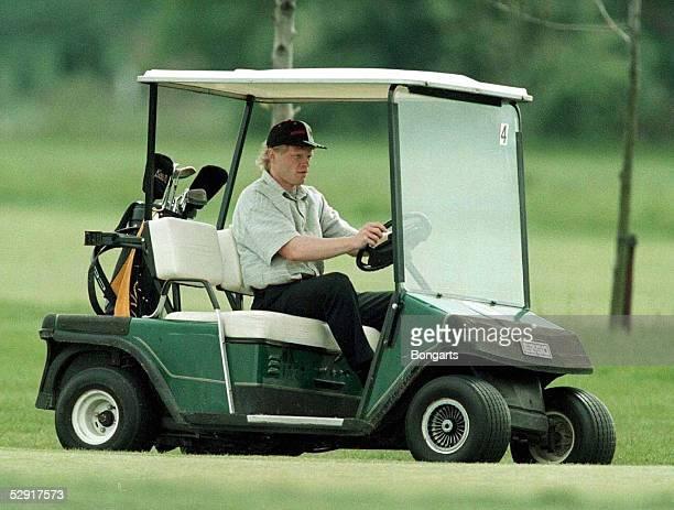 Manchester Oliver KAHN im GolfBuggy