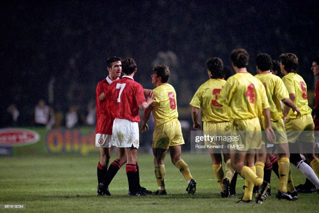 Soccer - UEFA Champions League - Second Round Second Leg - Galatasaray v Manchester United - Ali Sami Yen Stadium : News Photo