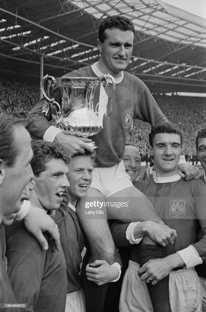 Manchester United Win 1963 FA Cup Final : News Photo