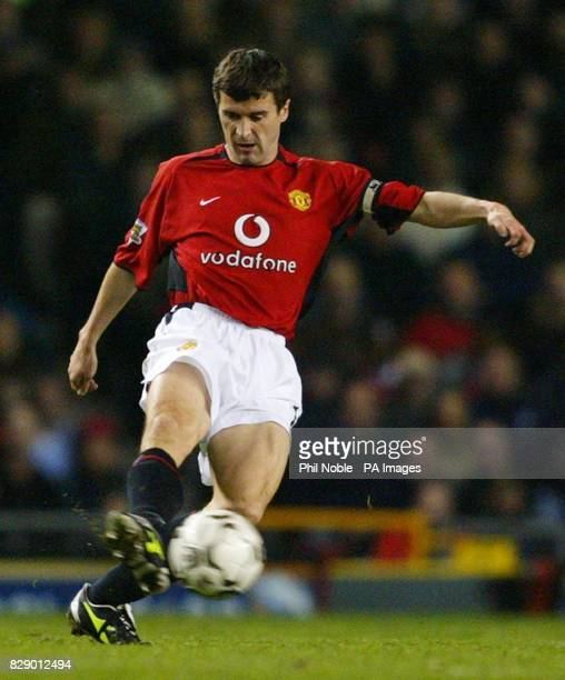 Manchester United captain Roy Keane returns to action during the Barclaycard Premiership match at Old Trafford Manchester THIS PICTURE CAN ONLY BE...
