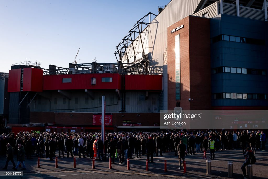 Manchester United Commemorate the Munich Air Disaster : News Photo