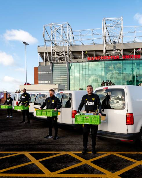 GBR: Manchester United Deliver Supplies to Local Charities