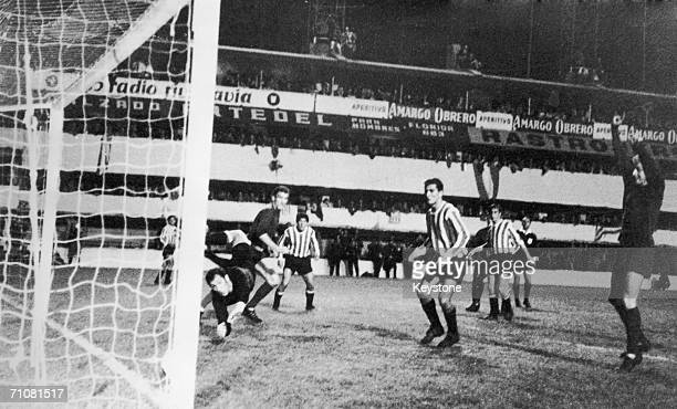 A Manchester United goal is disallowed for offside during the first leg of the World Club Championship final against Argentinian side Estudiantes de...