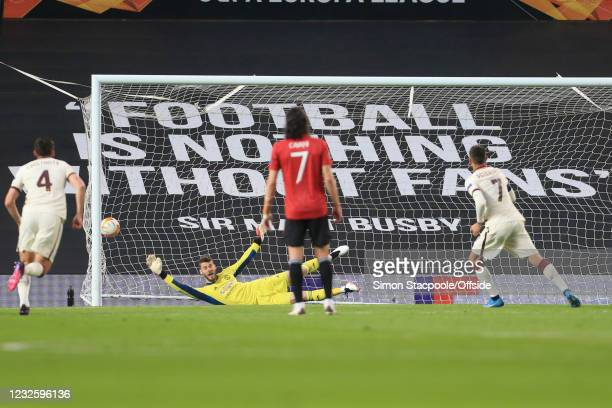 Manchester United goalkeeper David de Gea fails to save a penalty from Lorenzo Pellegrini of Roma as he scores the first Roma goal during the UEFA...