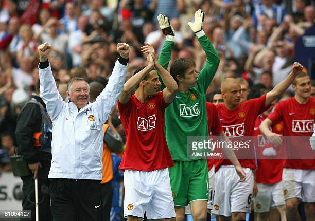 Manchester United Manager Sir Alex Ferguson Rio Ferdinand Edwin van der Sar and team mates acknowledge the crowd at the end of the Barclays Premier...