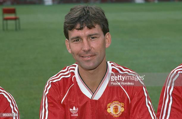 Manchester United midfielder Bryan Robson 1988