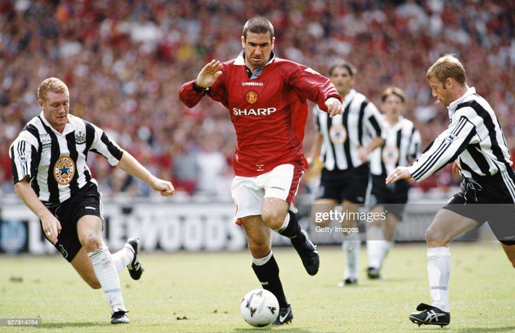 Eric Cantona Manchester United FA Charity Shield 1996 : News Photo