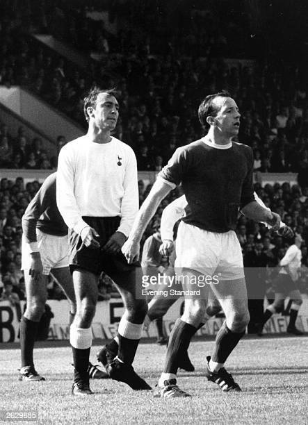 Manchester United player Nobby Stiles with Jimmy Greaves of Tottenham Hotspur. Original Publication: People Disc - HU0316